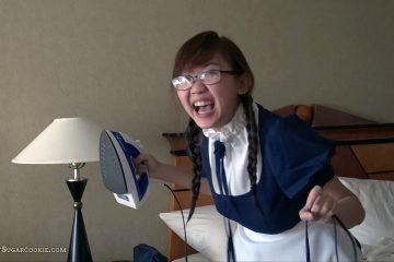 Harriet Sugarcookie maid cosplay